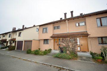 Großzügige Doppelhaushälfte in Weingarten – nicht für den kurfristigen Eigenbedarf, 88250 Weingarten, Doppelhaushälfte