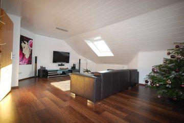 Exklusive, gepflegte 3-Zimmer-Wohnung in Baienfurt, 88255 Baienfurt, Dachgeschosswohnung