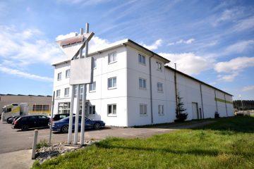 Gewerbeimmobilie in verkehrsgünstiger Lage mit Büro- und Lager-/Produktionsflächen bei Biberach, 88436 Eberhardzell, Bürohaus