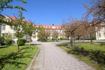 Weingarten – Oberstadt 3,5-Zimmer-Wohnung im Welfenpalais, 88250 Weingarten, Etagenwohnung