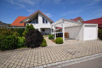 Charmante Eigentumswohnung in einem Zweifamilienhaus in Fronreute, 88273 Fronreute, Dachgeschosswohnung