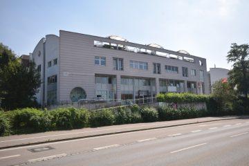 Zentrale Stadtlage von Ravensburg – Vermietete Dachgeschosswohnung im Dienstleistungszentrum, 88212 Ravensburg, Dachgeschosswohnung
