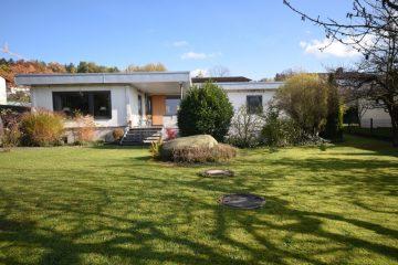 …im Ravensburger Süden Moderner Bungalow mit großzügigem Gartengrundstück, 88214 Ravensburg, Einfamilienhaus