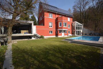 Ravensburg – Stadtlage Extravagantes Domizil mit großzügigem Pool, 88212 Ravensburg, Einfamilienhaus