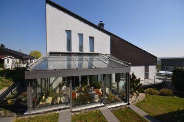 Spektakulärer Blick über das Schussental – Modernes Einfamilienhaus mit ELW in Berg, 88276 Berg, Einfamilienhaus
