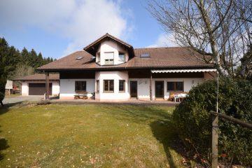 Bodnegg-Rotheidlen Großzügiges Wohnhaus mit gewerblichen Baugrundstück, 88285 Bodnegg, Einfamilienhaus
