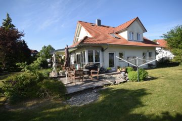 Familiendomizil in Ebenweiler – Attraktives Einfamilienhaus mit großzügigem Gartengrundstück, 88370 Ebenweiler, Einfamilienhaus