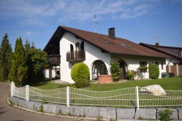 Bevorzugte Wohnlage in Friedrichshafen -Perfektes Familiendomizil, 88046 Friedrichshafen, Zweifamilienhaus