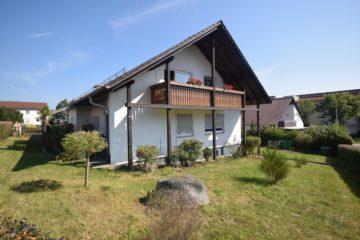 Solides 2-Familienhaus mit sofort beziehbarer Erdgeschosswohnung in Bad Schussenried, 88427 Bad Schussenried, Zweifamilienhaus