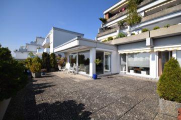 Unverbaubare See-und Bergsicht!  Attraktive 3 1/2-Zimmer-Wohnung mit grandioser Dachterrasse, 88069 Tettnang, Terrassenwohnung