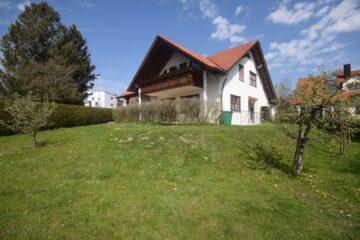 Ravensburg – Schmalegg – Charmantes Einfamilienhaus mit weitläufigem Grundstück, 88213 Ravensburg, Einfamilienhaus