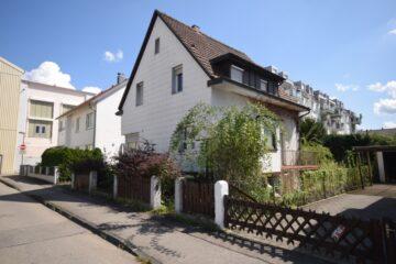 Sanierungsbedürftiges Einfamilienhaus in zentraler Lage von Weingarten, 88250 Weingarten, Einfamilienhaus