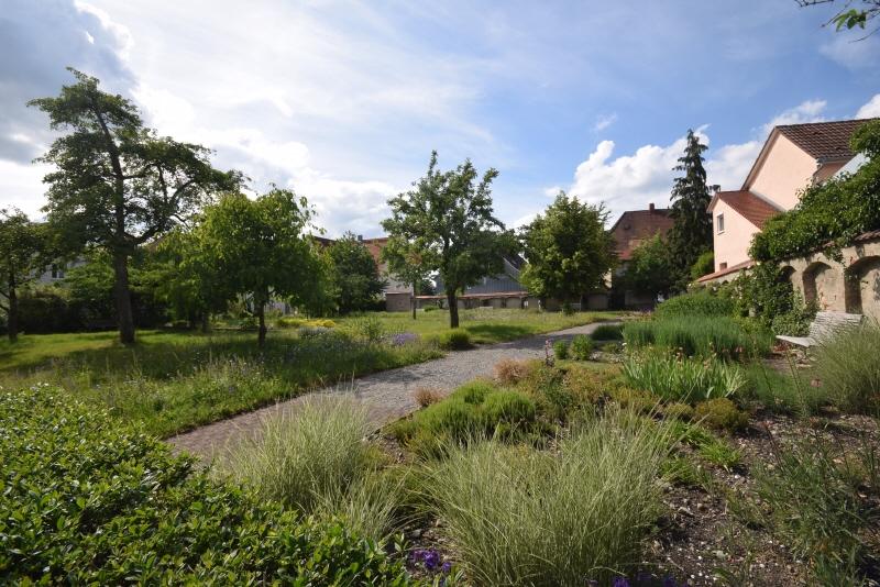 angrenzende Schlossgartenanlage