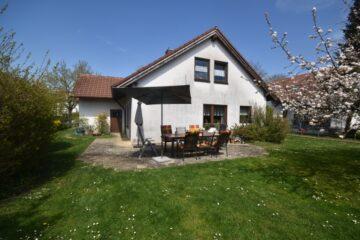 1-2 Familienhaus mit vielseitigen Perspektiven, 88250 Weingarten, Zweifamilienhaus